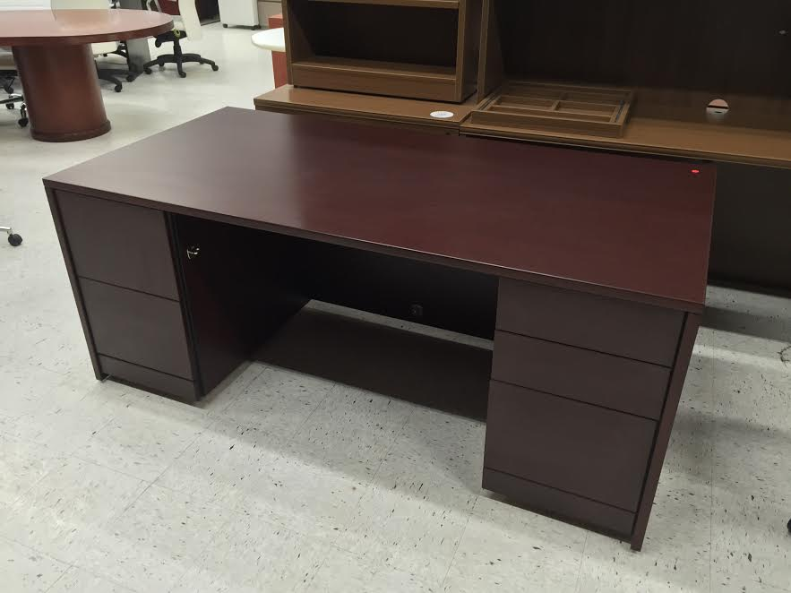 Affordable Office Furniture near MilwaukeeDesk Chairs for Sale