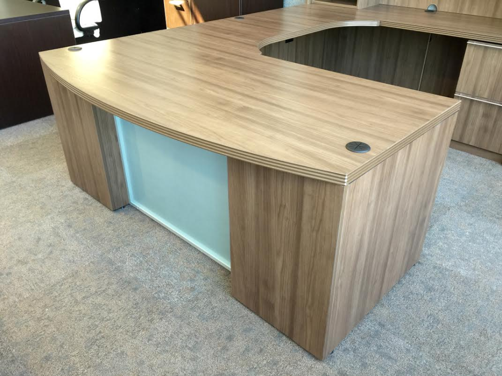 Executive Desk Suite For Sale Near Milwaukee Ofw Office