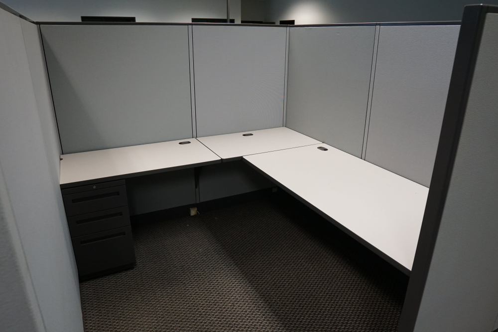 Preowned office cubicles