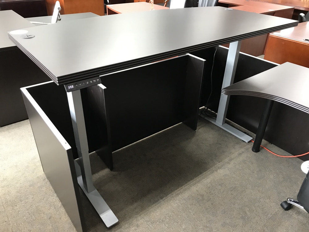 height adjustable desks standing desk converters discount pricing on standing computer desk. Black Bedroom Furniture Sets. Home Design Ideas
