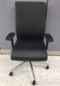 Affordable Office Furniture Near Milwaukee Wisconsin Desk Chairs For Sale Madison New
