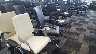 used office chairs for sale in Milwaukee